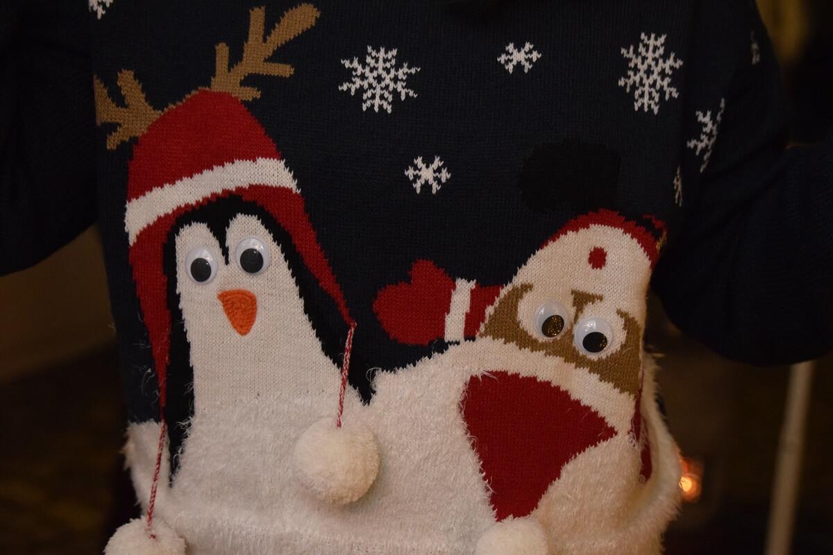 Weihnachtspullover sind fast schon Pflicht!